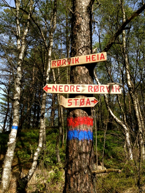 Helpful trail markers telling me nothing.
